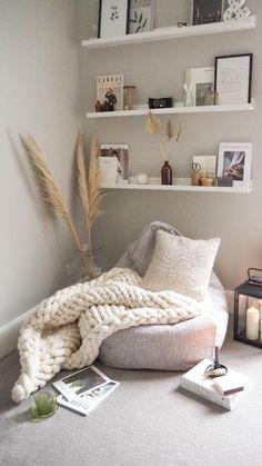 Bedroom Reading Nooks, Bedroom Nook, Bedroom Corner, Room Ideas Bedroom, Cozy Small Bedroom Decor, Zen Room Decor, Cozy Small Bedrooms, Reading Nook Chair, Cozy Reading Corners