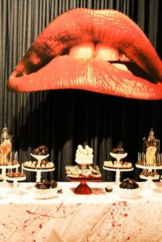 Rocky horror picture show arty table. Great lips.