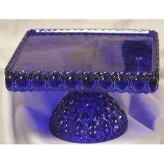 blue cake stand