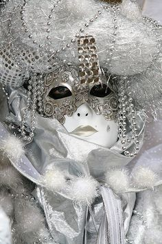 Masquerade Carnival of Venice, Italy Mardi Gras Carnival, Venetian Carnival Masks, Carnival Of Venice, Costume Venitien, Venice Mask, Beautiful Mask, Masks Art, Carnival Costumes, Masquerade Ball