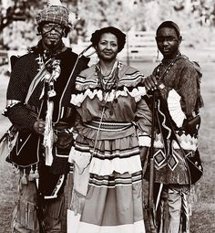 SEMINOLES/GULLAH are the descendants of black slaves who escaped and formed maroon villages with the native Seminole people in South Carolina and Florida.  Seminole culture is a mixture of African, Native American, Spanish, and slave traditions. Adopting certain practices of the Native Americans, maroons wore Seminole clothing; strained koonti, a native root; and made sofkee, a paste created by mashing corn with a mortar and pestle.