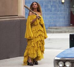 Beyonce video yellow dress