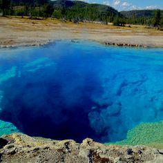 Sapphire pool Yellowstone captivating
