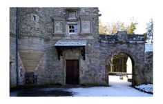 Entrance to Kerr Castle