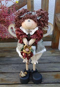 Apostila da boneca contendo: moldes da boneca e roupa,passo a passo da pintura,confecção da roupa e montagem. R$ 30,00