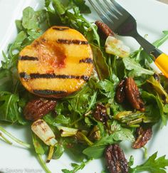 Grilled Peaches with Peach Balsamic Vinaigrette - A sweet/savory, oh-so-peachy treat! Serve peaches drizzled with vinaigrette on their own or make it a salad - great side or vegetarian entree. Vegetarian Entrees, Vegan Vegetarian, Grilled Peach Salad, Dried Peaches, Dinner Salads, Vinaigrette, Vegan Gluten Free, Grilling, Lunch