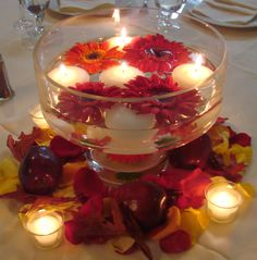 Round Glass Bowl For Wedding Centerpiece Filled With Red Chrysanthemum And Floating Candles With Centerpieces Flowers And Diy Wedding Candle Centerpieces. Luxurious Wedding Centerpieces With Candles For Table Center Decoration Floating Candle Centerpieces, White Centerpiece, Fall Wedding Centerpieces, Wedding Table, Centerpiece Ideas, Diy Wedding, Simple Centerpieces, Wedding Flowers, Christmas Centerpieces