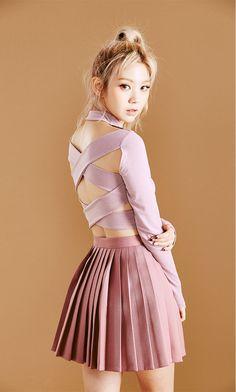 Autumn Color Pleats Mini Skirt - I know you wanna kiss me. Thank you for visiting CHUU. Pleated Mini Skirt, Satin Skirt, Mini Skirts, Pretty Girls Photos, Girl Photos, Hd Photos, Korean Girl, Asian Girl, Girl Korea