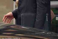 He was pictured coming out of United Nations Plaza yesterday holding a laptop bag with the words 'Archie's papa' embossed on the side. Prince Harry made an adorable nod to absent son Archie with a personalised bag during his trip to New York. The dad-of-two spent Wednesday night and Thursday in New York with his […] The post During his trip to New York, Harry carries a laptop bag labelled 'Archie's papa' appeared first on Compsmag - Latest News from tech, business and health.