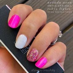 Want some ideas for wedding nail polish designs? This article is a collection of our favorite nail polish designs for your special day. Neon Pink Nails, Gray Nails, Fancy Nails, Trendy Nails, Cute Nails, Pink White Nails, Fingernail Designs, Nail Polish Designs, Nail Color Combos