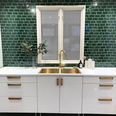 Kitchen Shelves, Kitchen Tiles, Scandinavian Home, House Floor Plans, Home Organization, Beautiful Homes, Room Decor, House Design, Interior Design