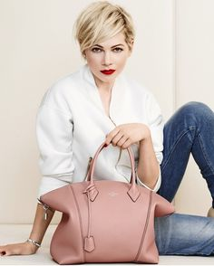 Style clothes Michelle Williams for Louis Vuitton. Love the colour of the bag (and style). Michelle Williams for Louis Vuitton. Love the colour of the bag (and style). New Louis Vuitton Handbags, Women's Handbags, Vuitton Bag, Designer Handbags, Corte Y Color, Kids Fashion, Womens Fashion, Fashion News, Fashion Lookbook