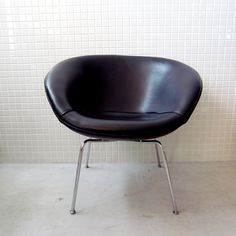 Arne Jacobsen / DenmarkPot Chair - QUICO WEB SHOP
