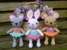 Bug Eyed Monsters Amigurumi Crochet Pattern por mojimojidesign