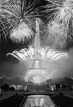 ♔ Bonne année ~ Paris I'm making it a fabulous 2017  Get wholesale hotel rates on www.HotelsDifferently.com! Your source for luxury discount hotels.