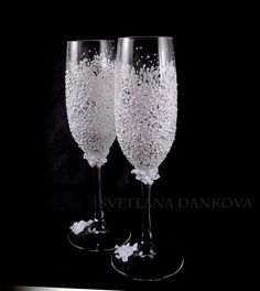 Personalized Wedding Champagne Flutes Bridal Shower by LaivaArt