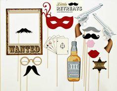 Accessoires Photobooth sur le thème Western. Photo Booth les accessoires. Photo d'anniversaire de mariage, Prop. Wanted