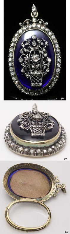 Georgian rocket pendant, France or United Kingdom, ca. 1800, bristol glass, rose cut diamond, silver 18k gold, 3.5 × 2.5cm, weight: 10,8g