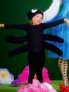 Spider - shirt and cap Diy Spider Costume, Halloween Costumes For Kids, Halloween Party, Dress Up Costumes, Baby Costumes, Costume Ideas, Charlotte Web Costume, Halloween Karneval, Book Week Costume