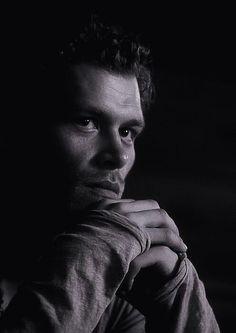 The Vampire Diaries/The Originals Mode Vampire Diaries, The Vampires Diaries, Klaus From Vampire Diaries, Vampire Diaries Seasons, Vampire Diaries Wallpaper, Vampire Diaries The Originals, Klaus Vampire, Joseph Morgan, Michael Morgan