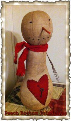 PrIMiTiVE~Valentine Snowman Doll~Stitched Heart & Key