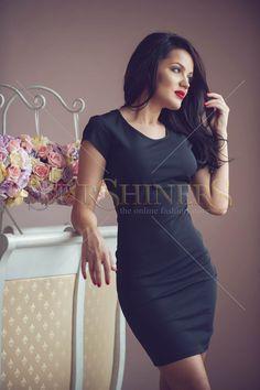 Rochie PrettyGirl cu spate decupat si maneci semi- lungi, rafinata si eleganta. Lungime: 68 cm de la subrat pana jos. #rochiiclub Summer Holiday Outfits, Short Sleeves, Short Sleeve Dresses, Product Label, Bodycon Dress, Buttons, Club, Amazing, Clothes