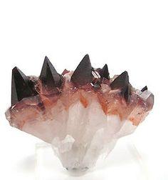 Calcite vermelho acastanhada (dente de cão) | reddish brown Calcite (dogtooth)  ❥  calcite vermelha com hematite