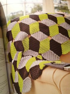 Cubed blanket | Simply Crochet Issue 19