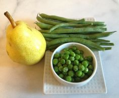 Green Beans, Peas & Pear Recipe for Baby  Squooshi reusable food pouches  www.squooshi.com