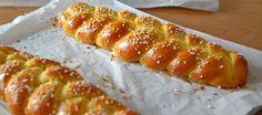 Para sustituir al clásico roscón –o para compartir protagonismo con él, no vayamos a pasar hambre– proponemos unos bollos de azafrán que conquistan las pastelerías suecas el día de Santa Lucía.
