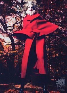 Title: Into the Woods Magazine: Vogue US September 2009 Model: Natalia Vodianova Photographers: Mert Alas & Marcus Piggott Natalia Vodianova, Alas Marcus Piggott, Dark Princess, Foto Fashion, Fashion Glamour, Timeless Fashion, Vogue Us, Vogue Magazine, Wood Magazine