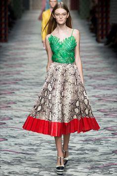 Sfilata Gucci Milano - Collezioni Primavera Estate 2016 - Vogue