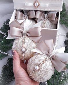 No photo description available. Royal Christmas, Perfect Christmas Gifts, Christmas Deco, Handmade Christmas, Christmas Wreaths, Fabric Christmas Ornaments, Christmas Tree Toy, Christmas Ornament Sets, Christmas Baubles