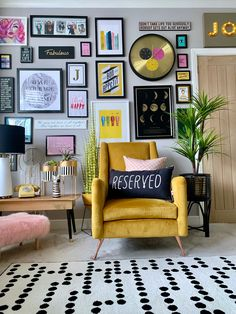 Home styling Home decor Interior styling Interior design Colourful Living Room, New Living Room, Living Room Decor, Gallery Wall Bedroom, Eclectic Gallery Wall, Eclectic Wall Decor, Gallery Walls, Aesthetic Room Decor, Home Decor Inspiration