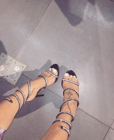 These are amazing ❤️💋 Sock Shoes, Flat Shoes, Shoe Boots, Shoes Sandals, Cute Heels, Sexy Heels, High Heels, Prom Heels, Shoe Closet