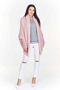 Dámská mohérový kardigan bez zapínání. White Jeans, Pants, Fashion, Trouser Pants, Moda, Fashion Styles, Women Pants, Fasion, Trousers Women