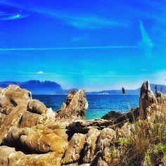 O scoprire il mare dietro rocce bellissime. #SpiaggediSardegna
