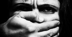 Condenado pela Comissão Interamericana de Direitos Humanos (OEA) por negligência e omissão relacionada à violência doméstica, o Brasil recebeu punições. Uma delas foi a recomendação da criação de uma legislação específica para este tipo de opressão. #pósgraduaçãoNEWS #leimariadapenha #9anos