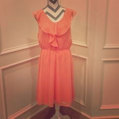 NWT H&M sleeveless dress ruffle collar coral peach Beautiful silky dress light coral/peach color. Adorable ruffle collar. Elastic waist. New with tags from H&M. Size Large but fits more like an XL. H&M Dresses Midi