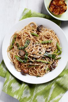 Spaghetti with Grilled Green Beans and Mushroomswomansday