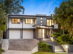 The design for this renovation and extension in Seventeen Mile Rocks includes an improved streetscape & pool entertainment area at the rear of the home. Brisbane Architecture, 1970s House, Large Homes, Facades, Home Renovation, Modern Design, Exterior, House Design, Paint