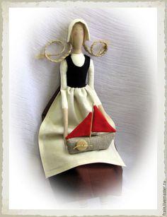 Купить Ассоль - коричневый, Ассоль, кукла в стиле Тильда, кораблик из ткани, подарок для девочки