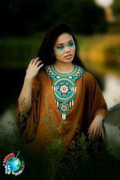 My part of the battle B.B 2015 Necklace-The sound of the heart models:Ania make up: Angelika Curzydło fot:Paheli Native American Dress, Native American Moccasins, Native American Beauty, Native American Beadwork, Indian Costumes, Beadwork Designs, Beading Projects, How To Make Earrings, American Jewelry
