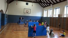 Immer wieder Völkerball? Hier gibt es die Alternativen dazu. Pe Ideas, Basketball Court, Activities, School, Tic Tac, Adele, Gaming, Teacher, Education