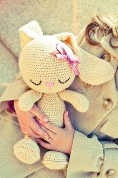 Gallimelmas e Imaginancias: Para Korner Shop Crochet rabbit toy - No pattern, but o so cute Crochet Bunny inspiration only - Wszyscy kochamy króliki/ We all love bunnies. Crochet Dolls Archives - Page 6 of 10 - Crocheting Journal Bunny Crochet, Crochet Diy, Crochet Amigurumi, Easter Crochet, Love Crochet, Crochet For Kids, Amigurumi Doll, Crochet Animals, Crochet Crafts