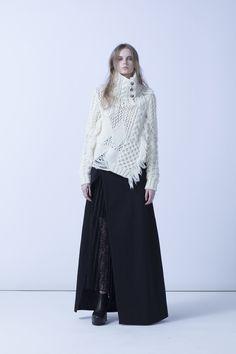 「エズミ(EZUMI)」が2018-19年秋冬コレクションを発表した。 Knitwear Fashion, Knit Fashion, Fashion Art, Love Fashion, Womens Fashion, Fashion Ideas, Vogue Knitting, Autumn Fashion 2018, Spring Summer Trends