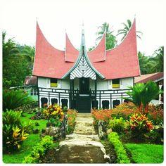 Rumah Gadang Bundo Kanduang, Pagaruyung - Batusangkar Minangkabau, Fantasy World, Traditional House, Southeast Asia, Horn, Islamic, Bali, Tumblr, Houses