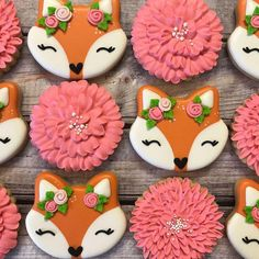 never knew a fox cookie could be so adorable thanks for letting me use your design . Fall Cookies, Iced Cookies, Cute Cookies, Royal Icing Cookies, Sugar Cookies, Heart Cookies, Valentine Cookies, Easter Cookies, Birthday Cookies
