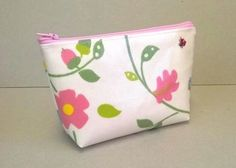 Make up bag in white with birds and flowers £5.99