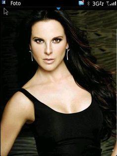 Kate del Castillo revela sus secretos de belleza - Yahoo Celebridades En Español